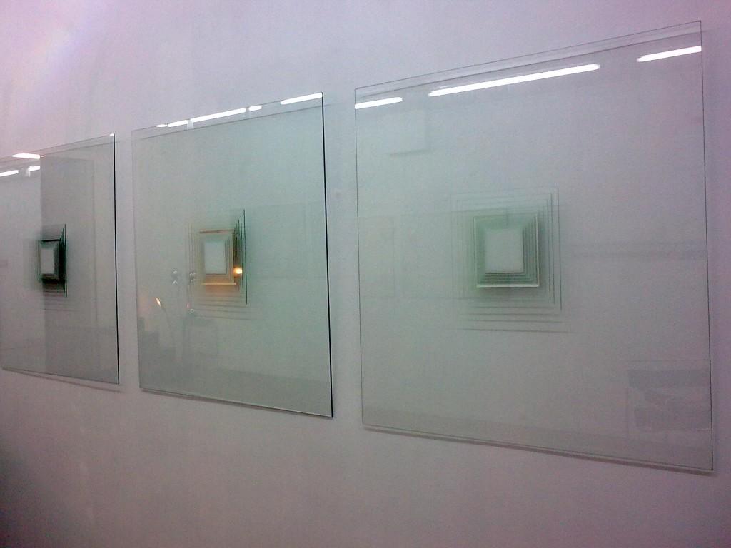 utilisation peinture acrylique sur verre. Black Bedroom Furniture Sets. Home Design Ideas